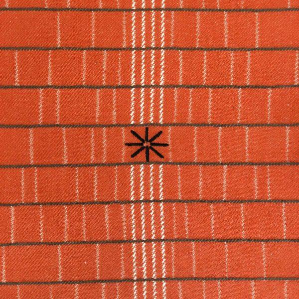 detail broderie sur chemin de table made in france linge basque brodé pour collection etxe la maison en basque
