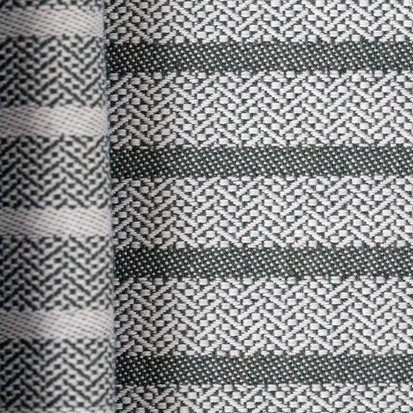Serviette samuel accoceberry détail armure avec lignes qui rythment le linge basque