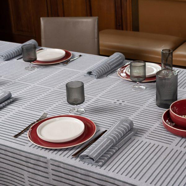 Serviette de table pour un dressage de table elegant et sobre