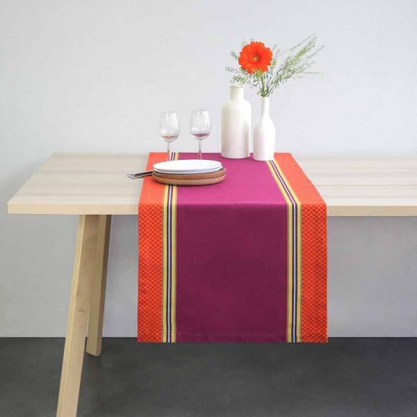 chemin de table authentique linge basque indication géographique fait en béarn. Design et coloré pour une décoration vintage