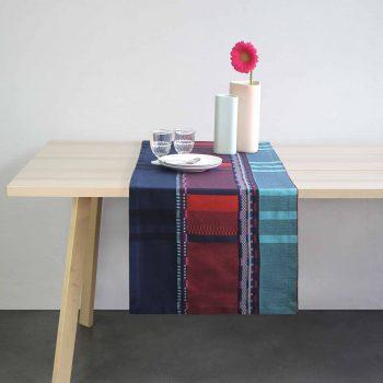 linge basque tissé en Béarn à Orthez. Design textile contemporain signé Cecile Barraud Delagerie pour la collection de linge de table Moutet
